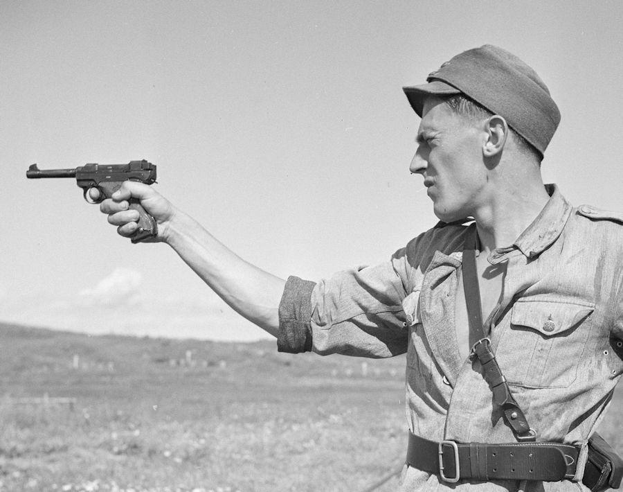 Diverses photos de la WWII (fichier 8) - Page 2 Pist_l12