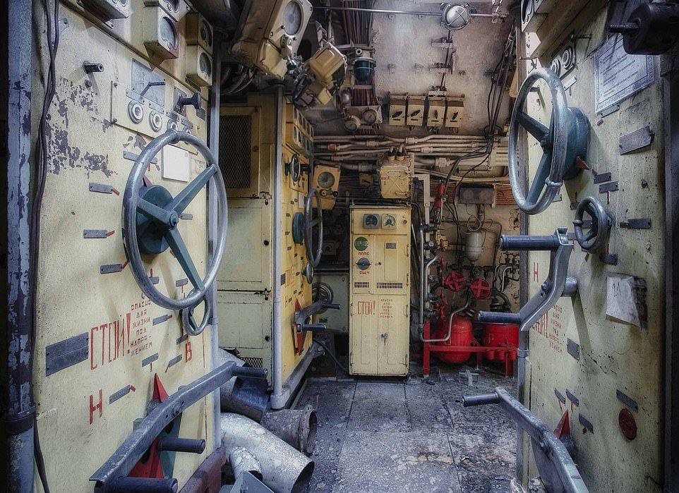 Des photos du V-143, un sous-marin russe en service de 1960  Sm610