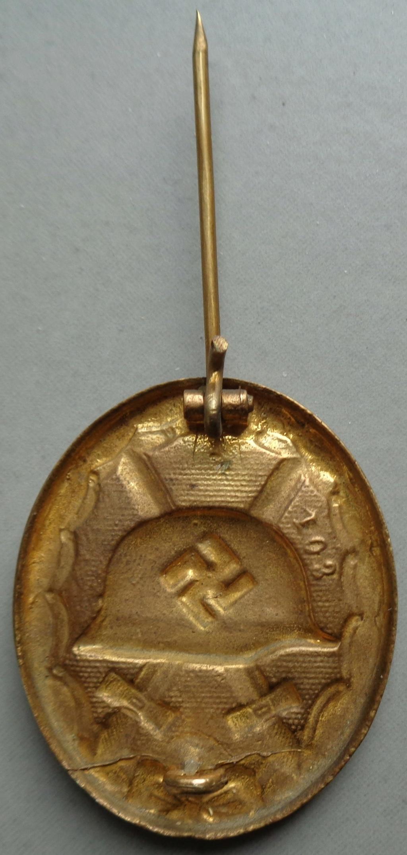 badge des bléssés or  Dsc05211