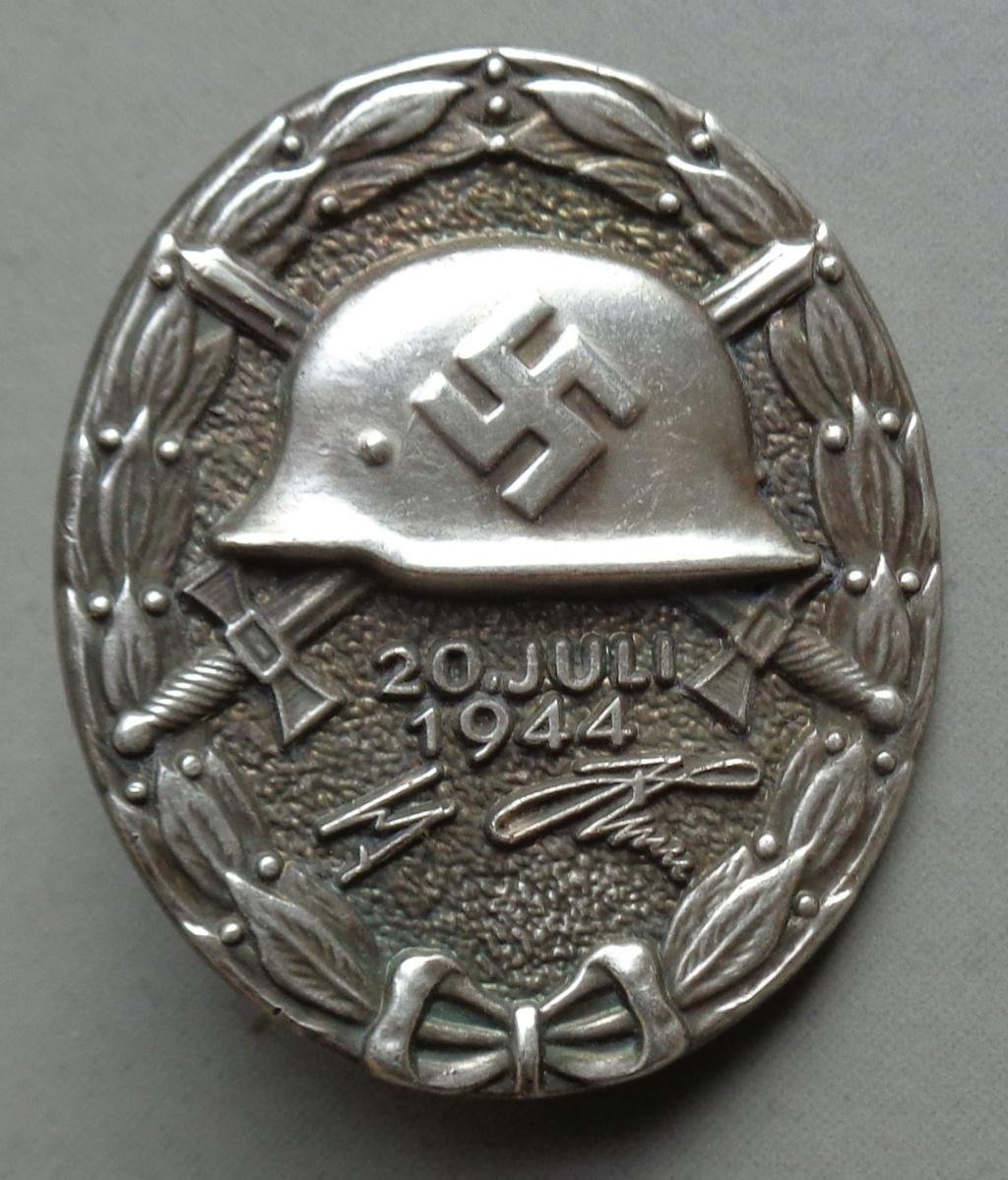 identification badge bléssé attentat juillet  Dsc05250