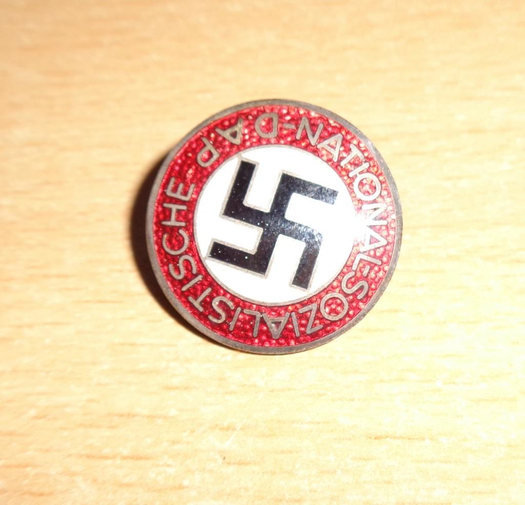badge du parti  Dsc06610