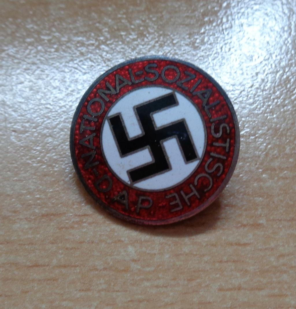 badge du parti  Dsc06743