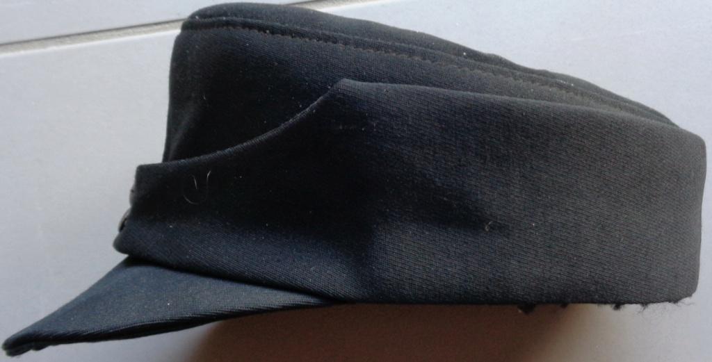casquette noire allemande inconnue  Dsc06920
