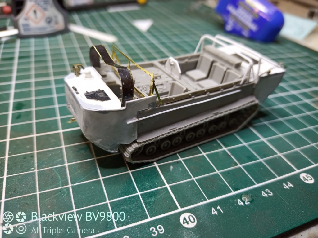 """M29 Weasel C premier """"scratch"""" au 1/48 Img_2011"""