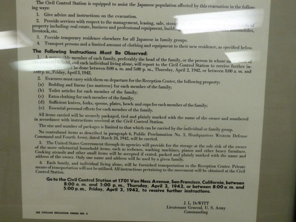 Exposition sur le 442nd RCT dans le USS Hornet (pour Cyril... et les autres !) P1200912