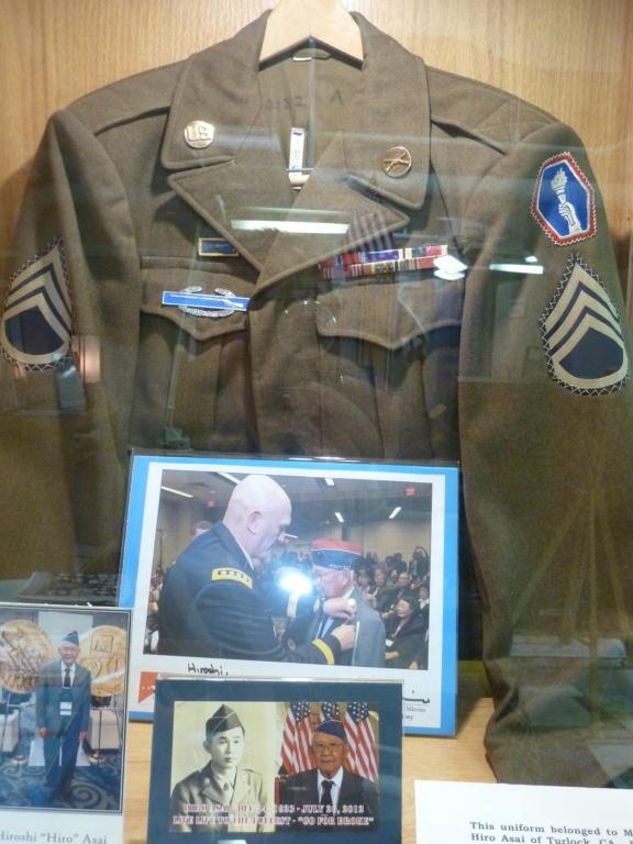 Exposition sur le 442nd RCT dans le USS Hornet (pour Cyril... et les autres !) P1200932