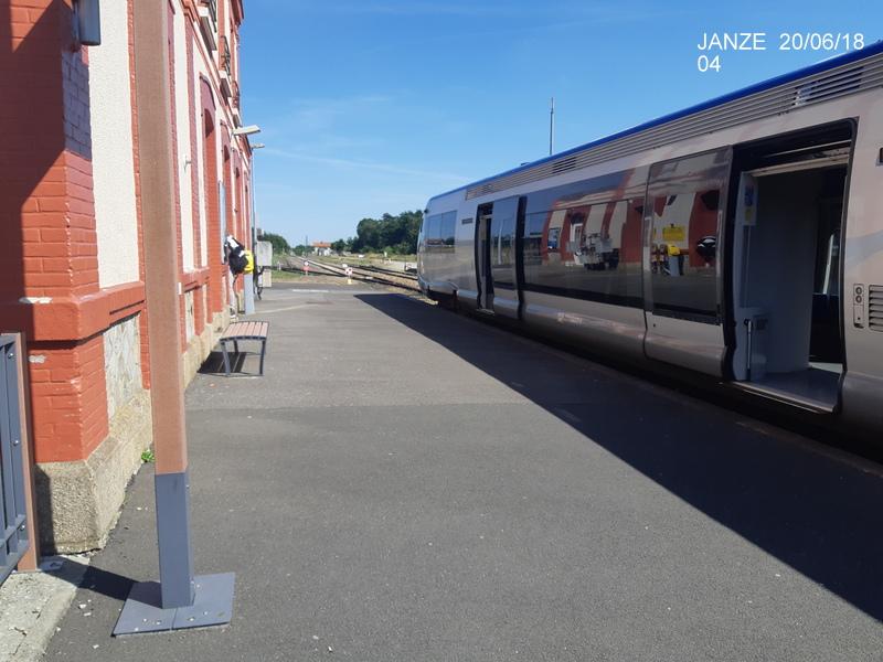 Ligne Rennes-Châteaubriant : Retiers Terminus (balade sur Janzé, Retiers 20/06/18) 20180642