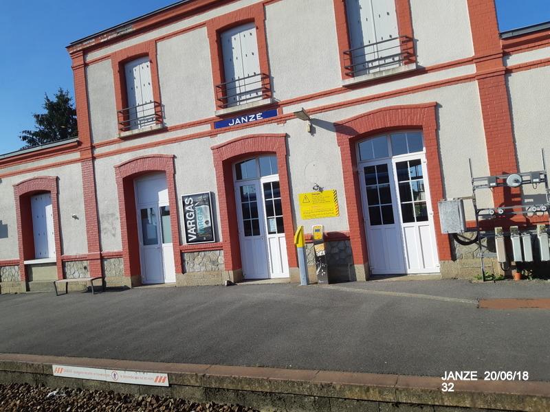 Ligne Rennes-Châteaubriant : Retiers Terminus (balade sur Janzé, Retiers 20/06/18) 20180673