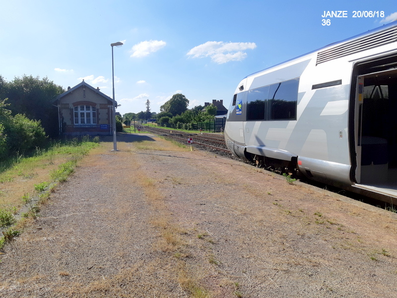 Ligne Rennes-Châteaubriant : Retiers Terminus (balade sur Janzé, Retiers 20/06/18) 20180677