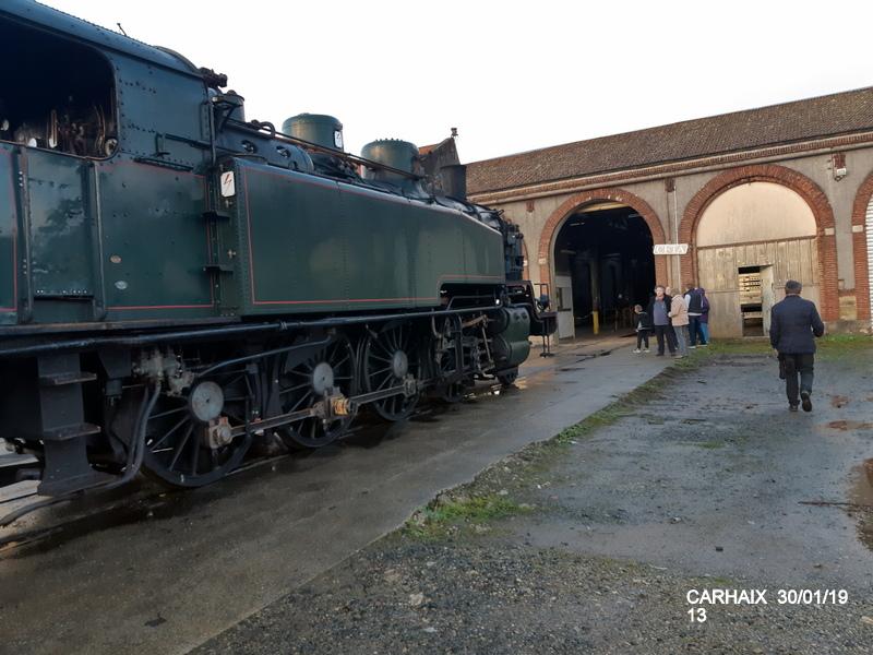Carhaix. La machine à vapeur BB 141 TB 424  est à la CFTA 20190264
