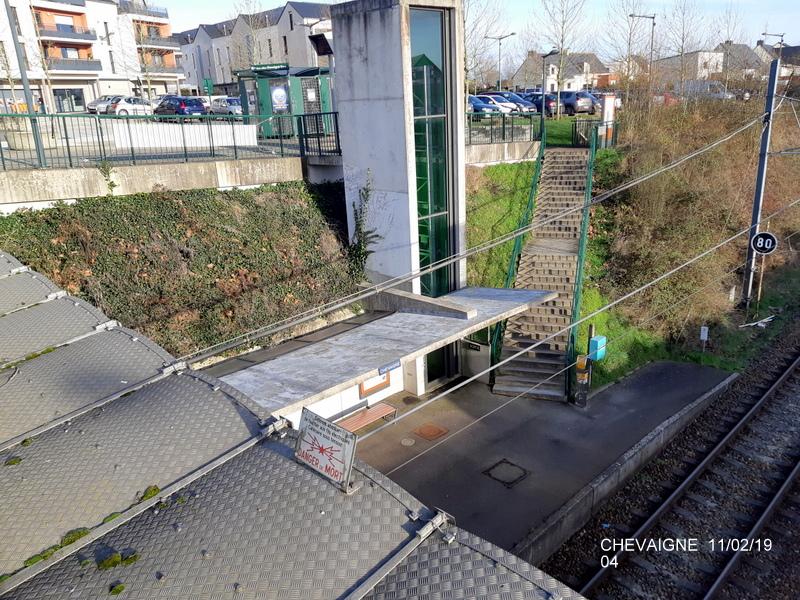 Ligne Rennes-St Malo. Halte de Chevaigné  11/02/19 20190380