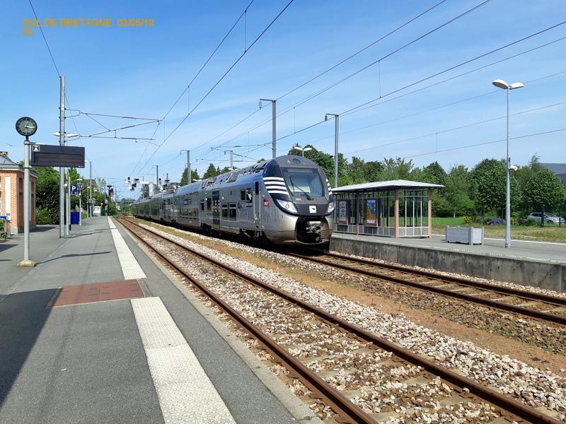 R2n en gare de Dol de Bretagne  02/05/19 20190547