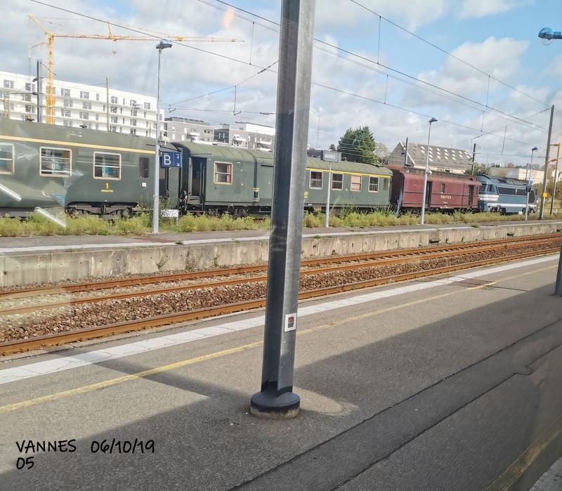 Le train croisière de l'AA06/10/19ARV en gare de Vannes le 06/10/19 Img_2277