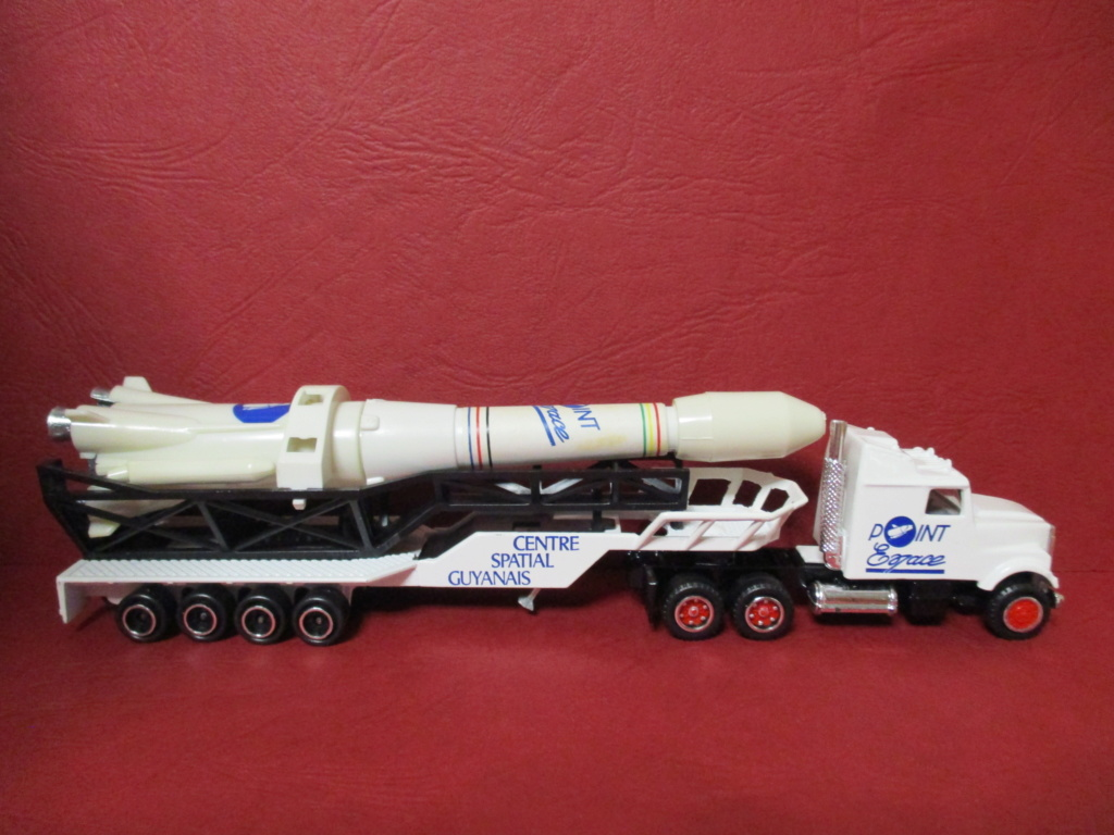 N°610 White Transport Fusée   Img_6113