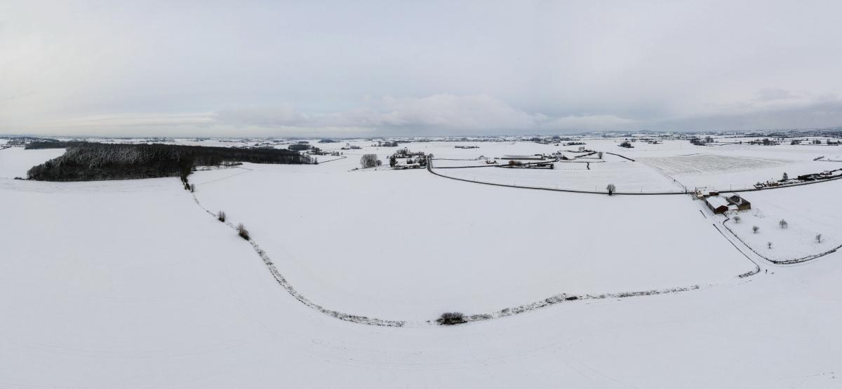 Un peu de neige Dji_0016