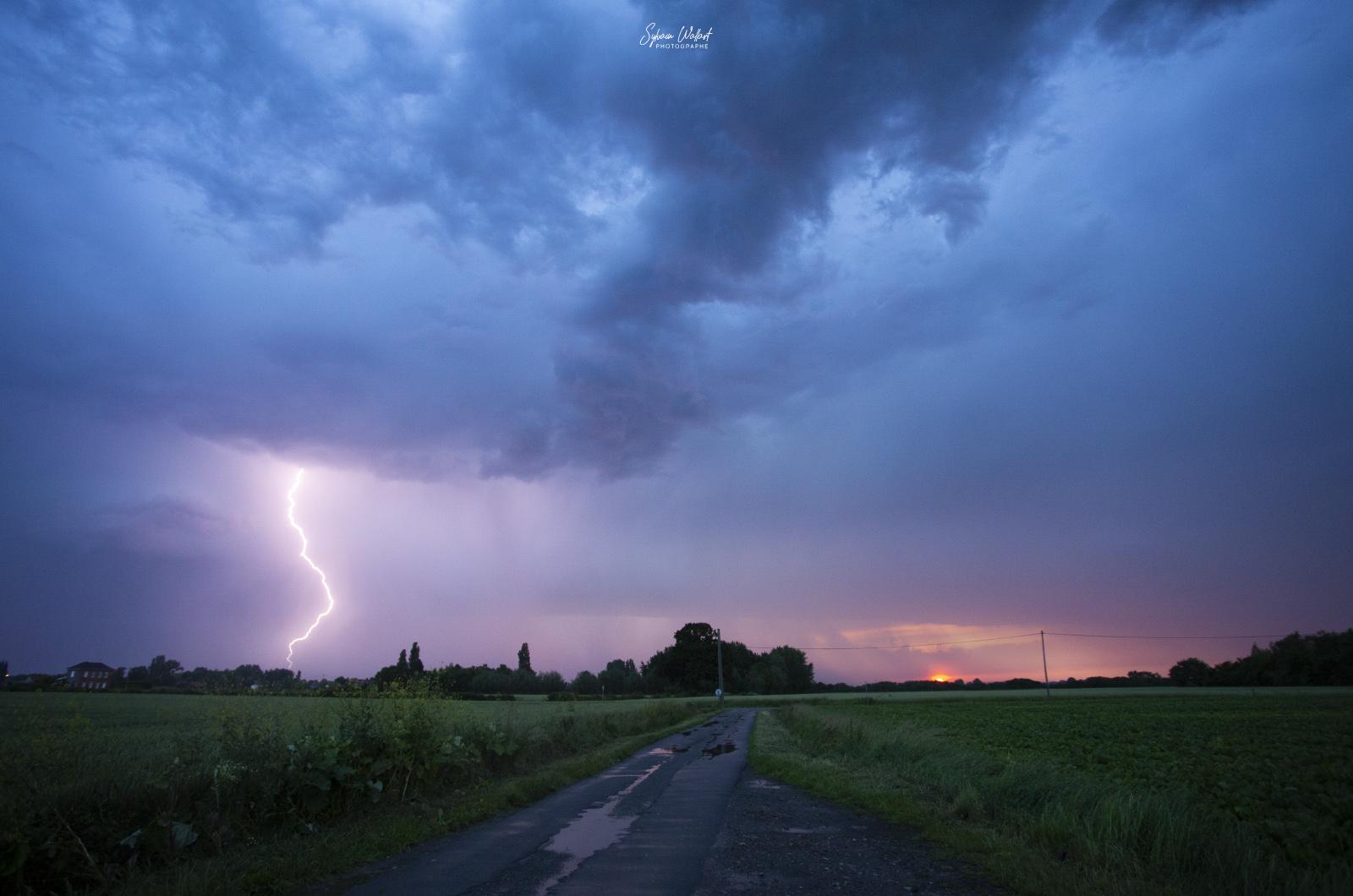 Enfin de l'orage ! Img_8813