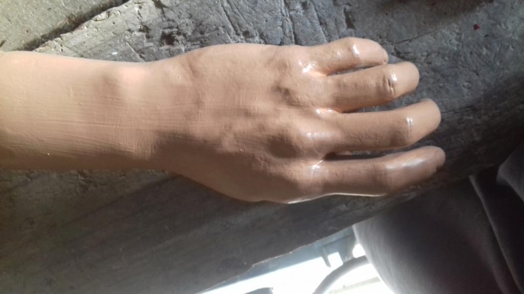 Amélioration mains mannequin 20190332