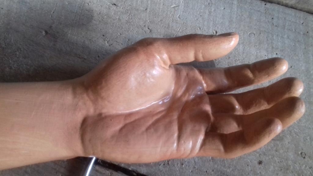 Amélioration mains mannequin 20190334