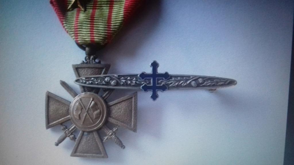 Barrette qui était avec la croix de guerre dite de l'armée GIRAUD 20201011