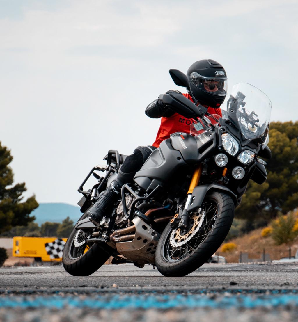 Vos plus belles photos de moto - Page 15 Castel10