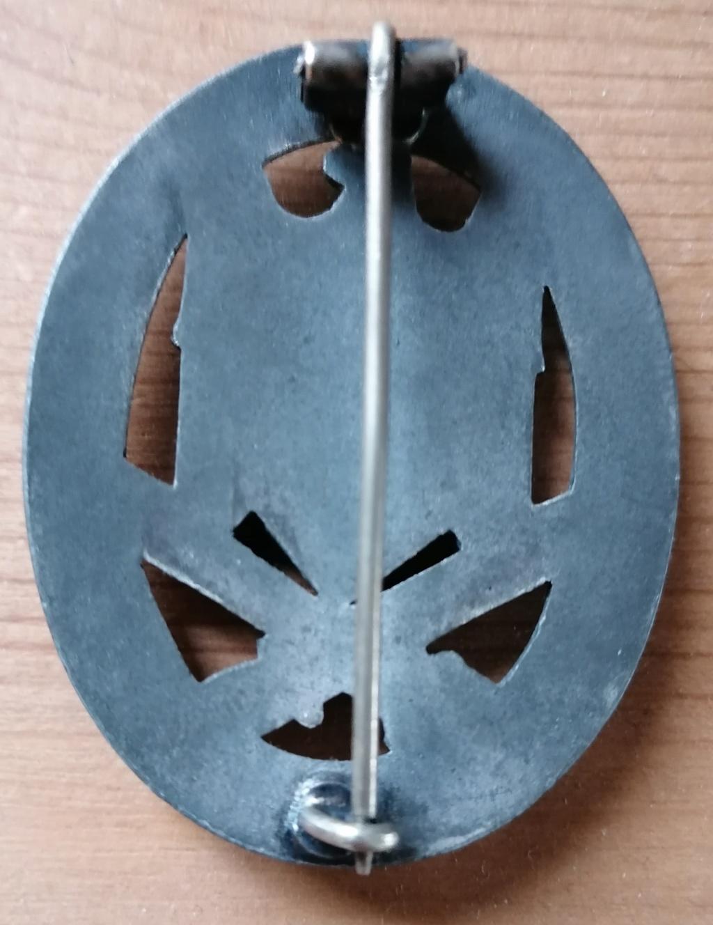 Badge assaut général  Img_2473