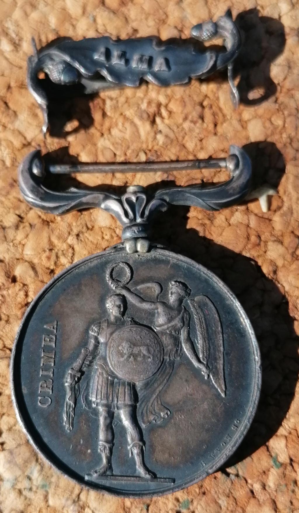 Médaille anglaise Crimea 1854 Img_2711