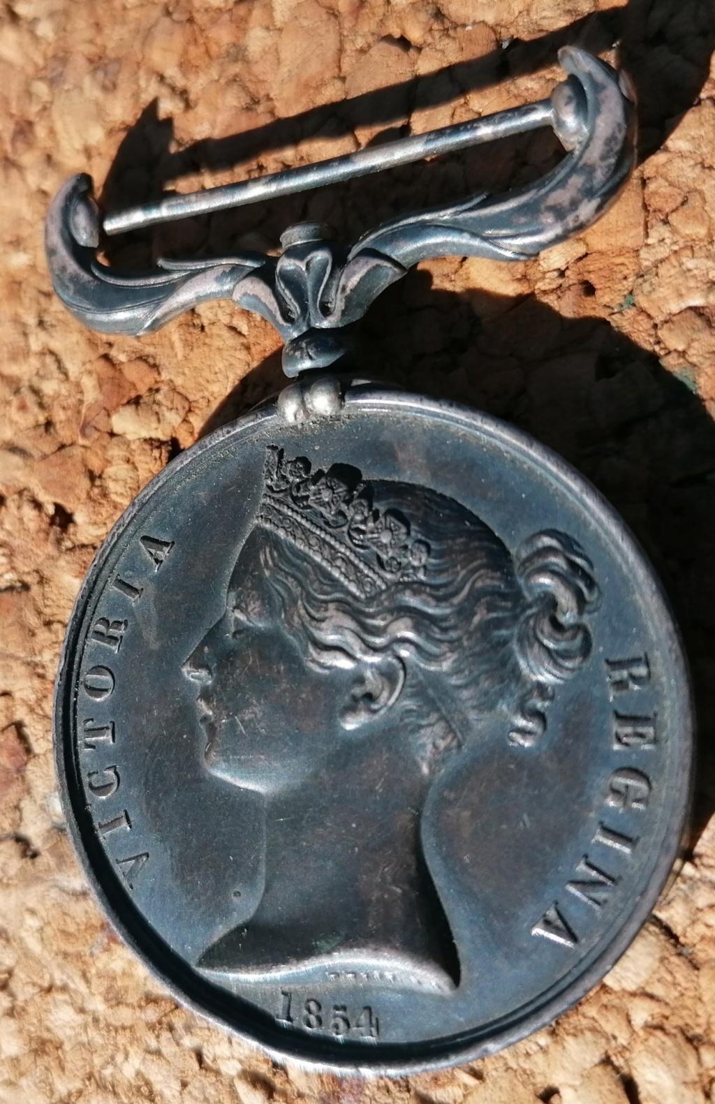 Médaille anglaise Crimea 1854 Img_2713
