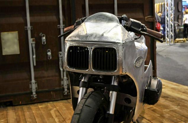 C'est ici qu'on met les bien molles....BMW Café Racer - Page 12 510