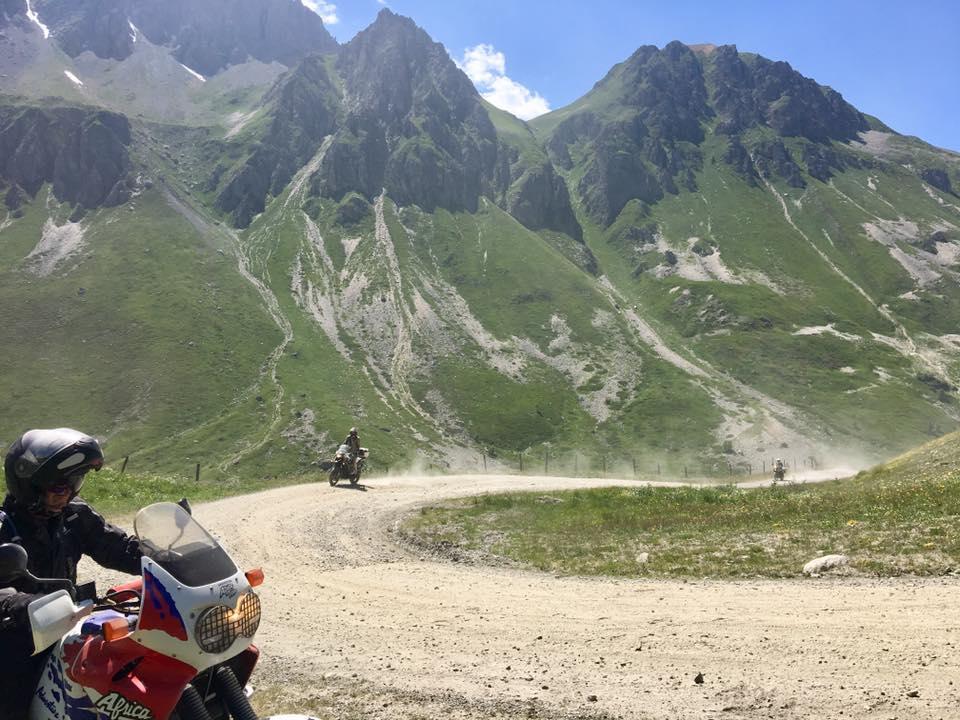 Vérification inscription  TT et route dans les Alpes fin juin 2019  T-shirt - Page 15 62236410