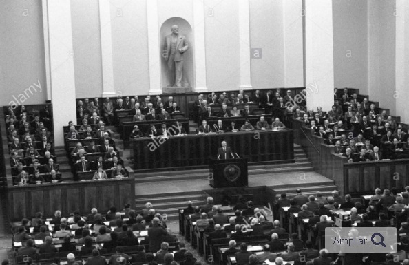 En España, de izquierda ahora - Página 9 Soviet10