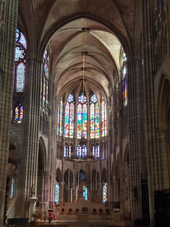 Notre couple royal préféré à la Basilique Saint Denis 20200773