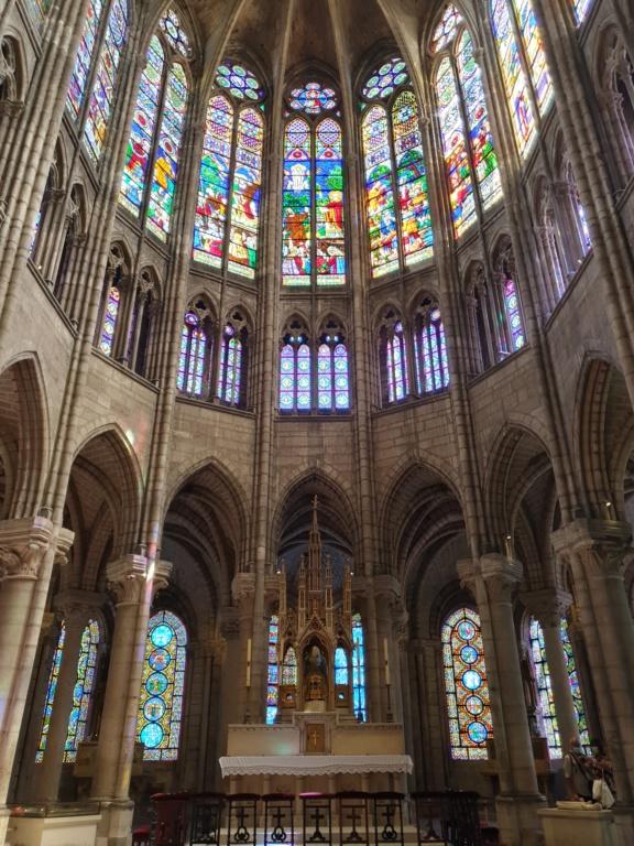 Notre couple royal préféré à la Basilique Saint Denis 20200778