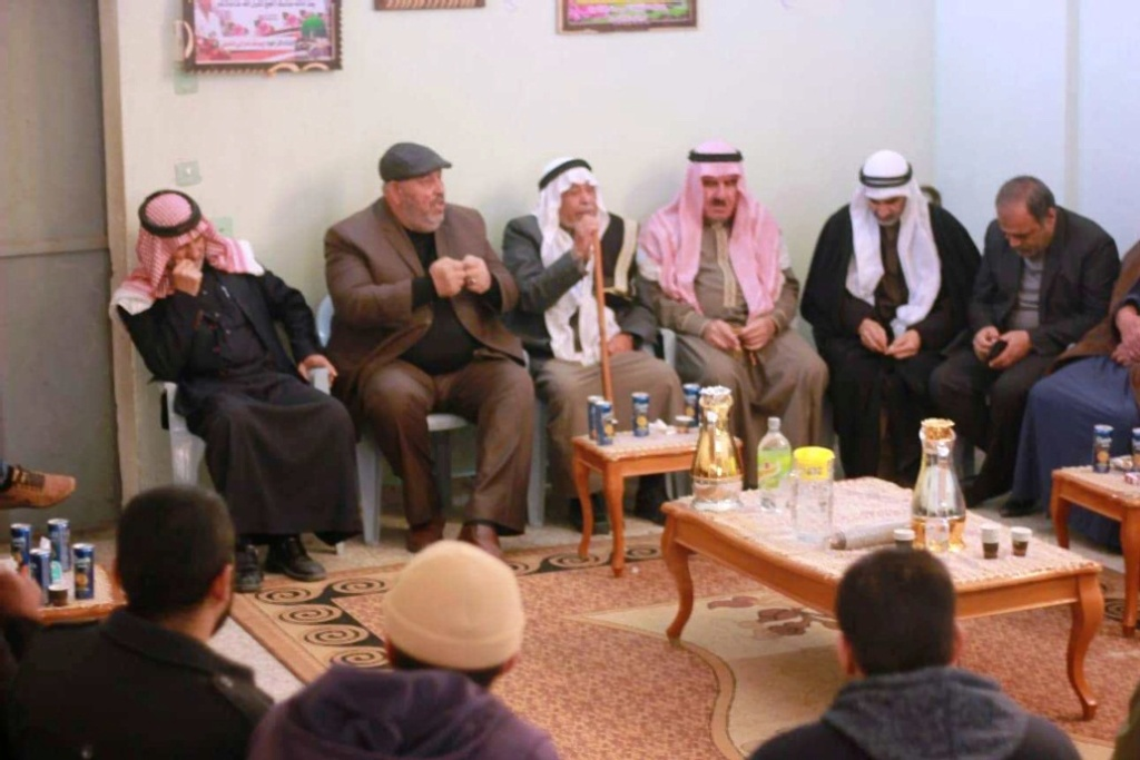 ملتقى عائلات يونس يهنئ قبيلة 48427110.jpg
