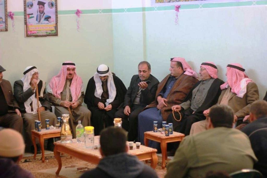 ملتقى عائلات يونس يهنئ قبيلة 49431810.jpg