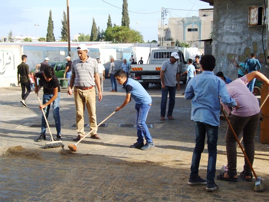 انطلاق فعاليات تطوعي لتنظيف شوارع dscf2613.jpg