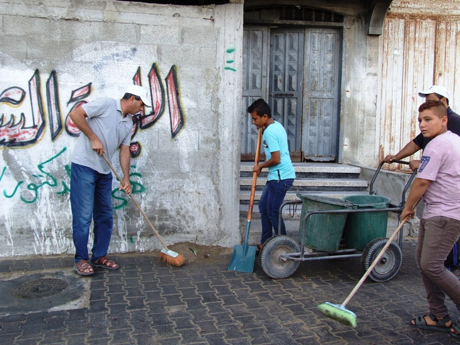 انطلاق فعاليات تطوعي لتنظيف شوارع dscf2713.jpg