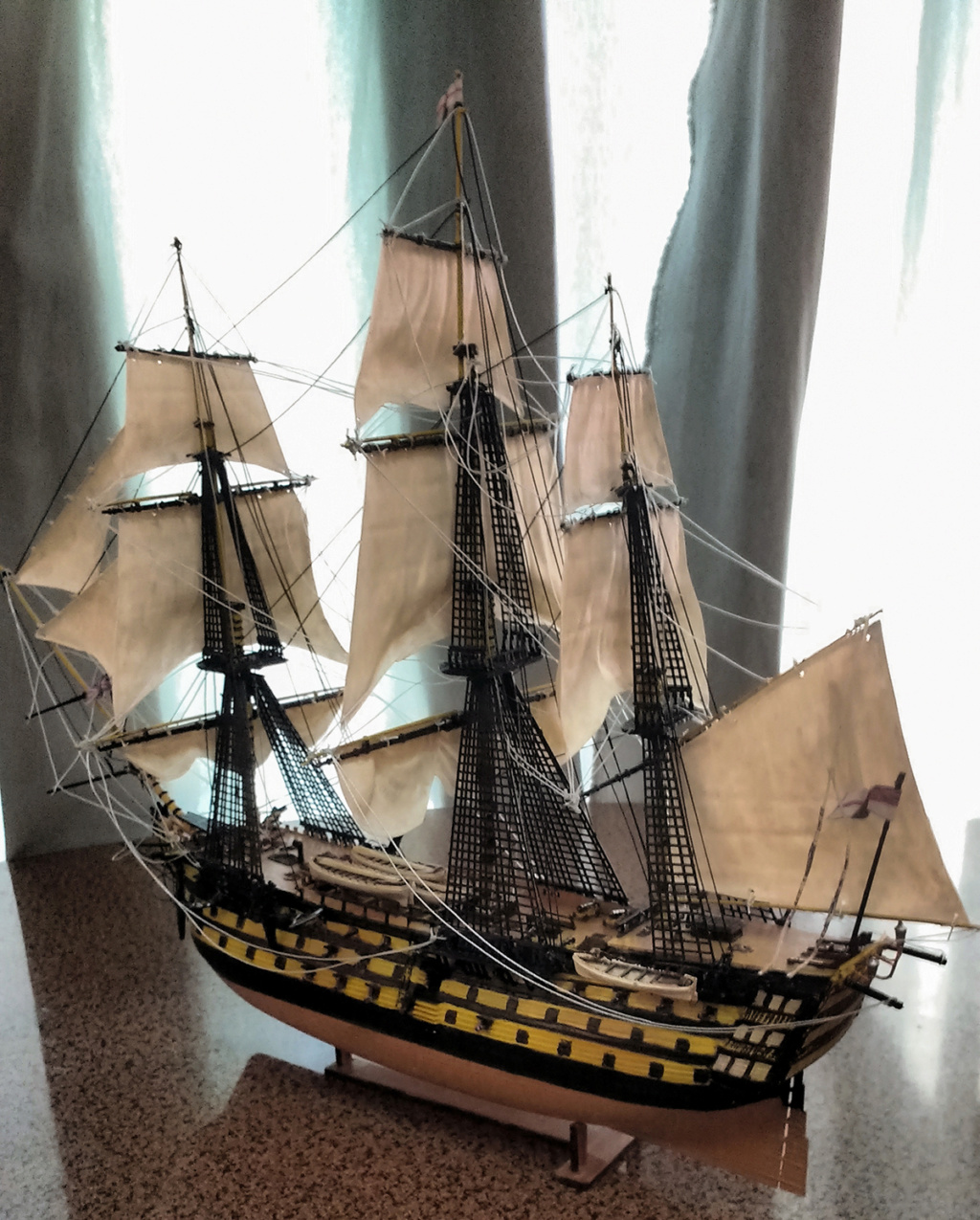 H.M.S. Victory - 1:225 - Revell 13910