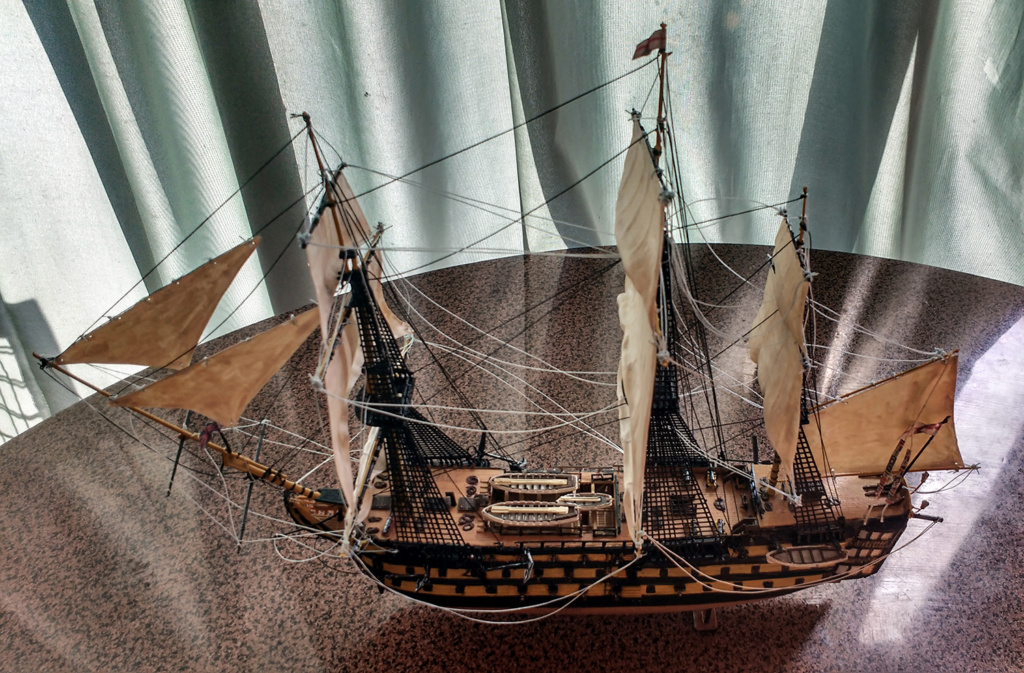 H.M.S. Victory - 1:225 - Revell 14010