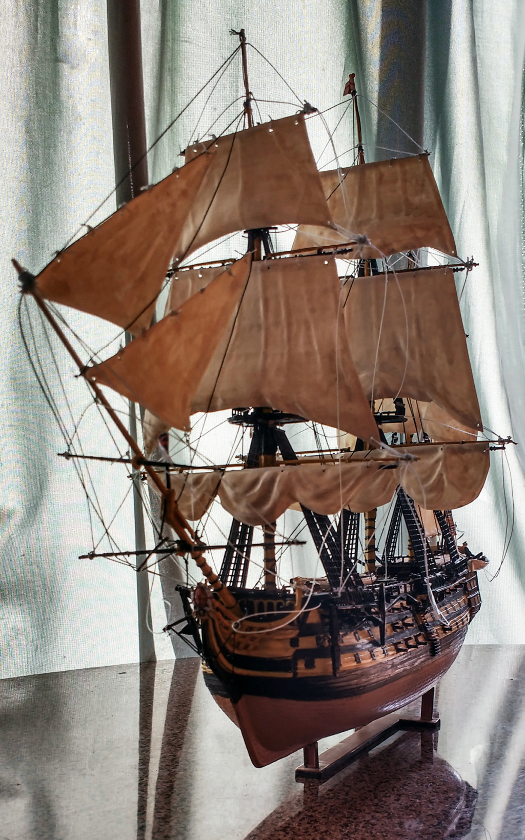 H.M.S. Victory - 1:225 - Revell 14110