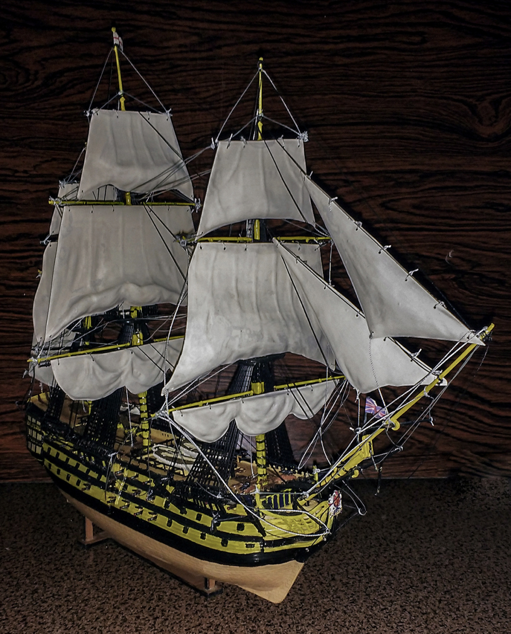 H.M.S. Victory - 1:225 - Revell 14610