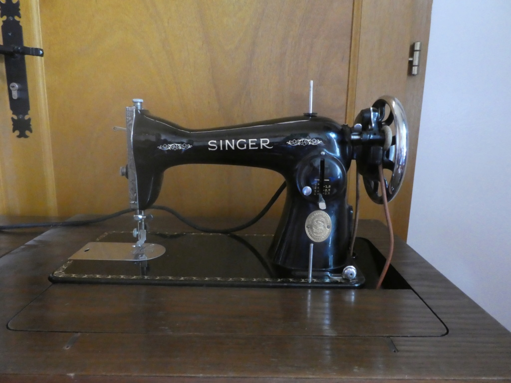une Singer 15 D 88 produite à Wittenberge sous le N° C2957578 P1000910