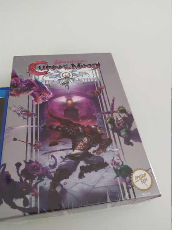 [ECH] Bloodstained Curse of the moon collector Vita LRG Img_2071