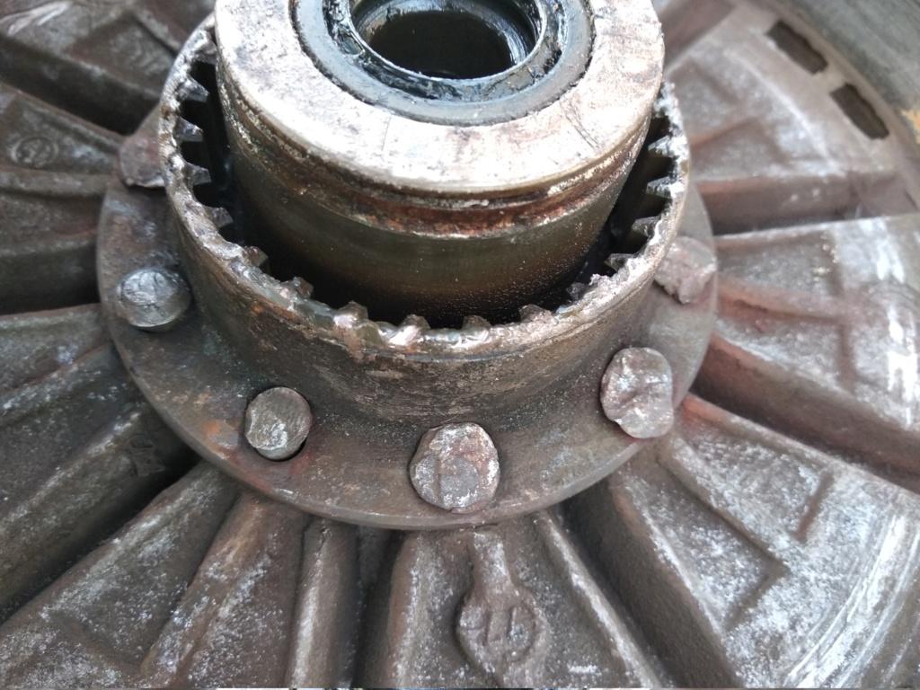 [R100/7 1978] Re-riveter la noix d'accouplement au moyeu arrière Img_2010