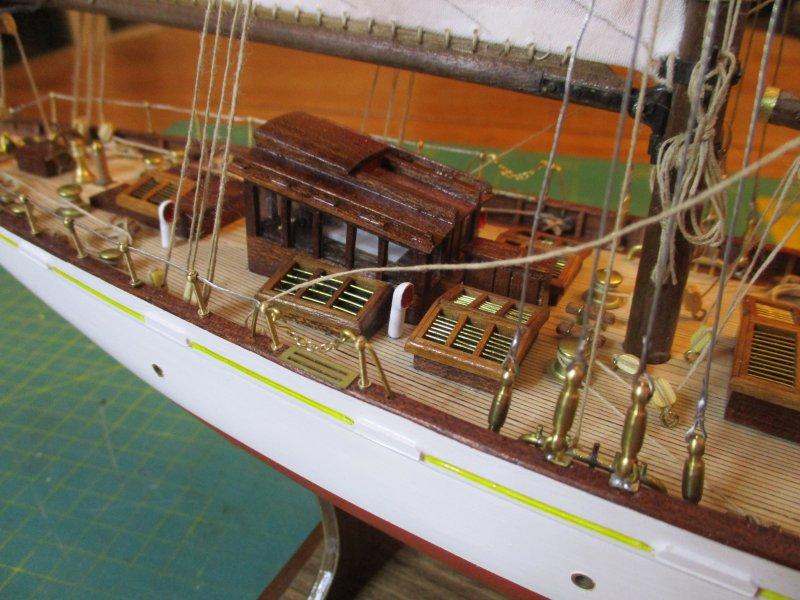 Altaïr - Yacht anglais de 1931 - 1/67e - Constructo par Fred P. - Page 5 Altaz133