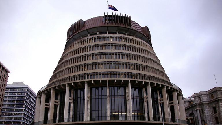 مغتصب النساء ضمن البرلمان النيوزيلندي 5ce4cb10
