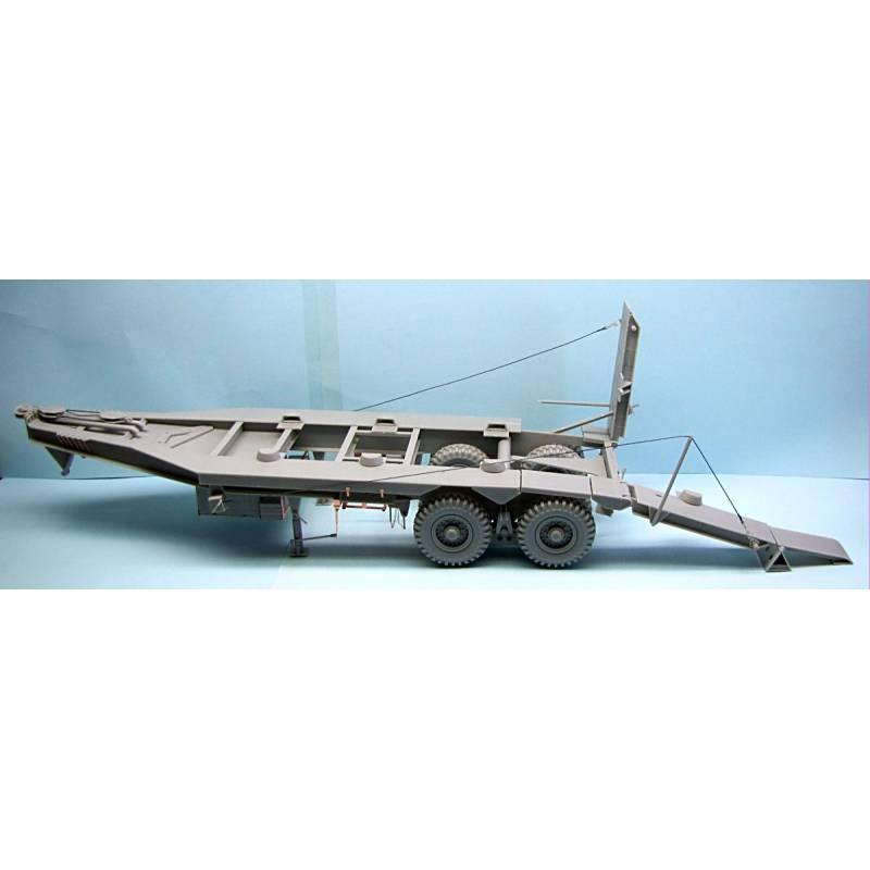 Scammel Pioneer + 30 ton trailer + Valentine MK-II Britis11