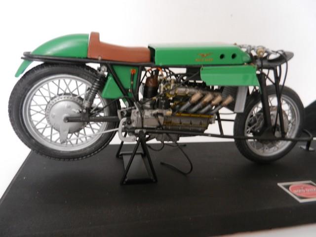 "Moto Guzzi 500 - Version Grand Prix - Moteur 4 cylindres ""ultraquadro"" Dscn0056"