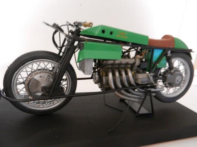 "Moto Guzzi 500 - Version Grand Prix - Moteur 4 cylindres ""ultraquadro"" Dscn0058"
