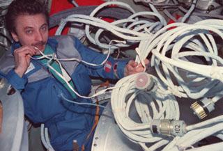 Correia estilo MIR - Estação Espacial Sovietica/Russa N5p-0210