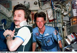 Correia estilo MIR - Estação Espacial Sovietica/Russa N5p-0211